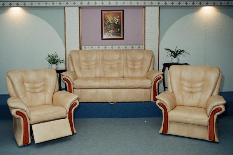 sebi i klassische sitzgarnituren m bel bodi. Black Bedroom Furniture Sets. Home Design Ideas