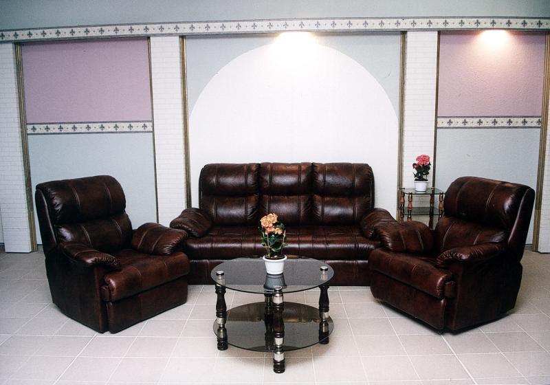 malaj klassische sitzgarnituren m bel bodi. Black Bedroom Furniture Sets. Home Design Ideas