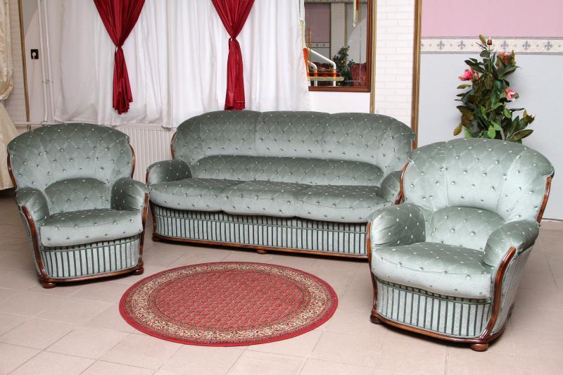 Klassische Polstergarnituren klassische sitzgarnituren möbel bodi polstergarnituren
