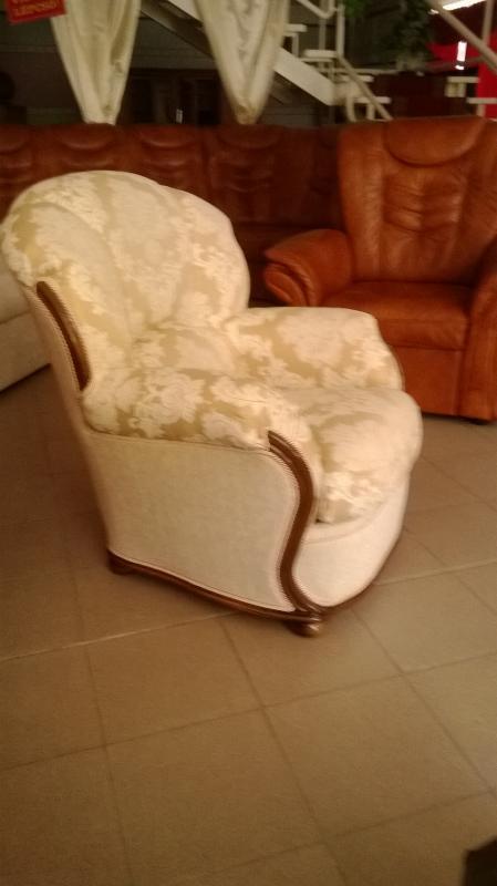 bella klassische sitzgarnituren m bel bodi. Black Bedroom Furniture Sets. Home Design Ideas