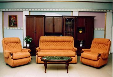laura klassische sitzgarnituren m bel bodi. Black Bedroom Furniture Sets. Home Design Ideas
